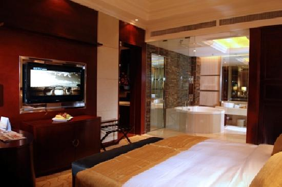 Kolam Gloria Plaza Hotel Hefei : 大床房