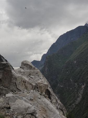 Shanghutiao Canyon: 转过这个弯前方豁然开朗