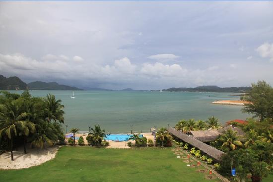 Bella Vista Waterfront Resort & Spa Langkawi: 楼上看海