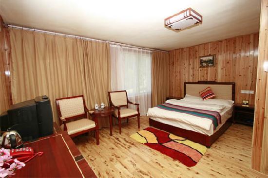 Yata Fengqing Inn