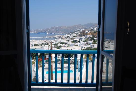 Nazos Hotel: 窗外的港口,无敌海景