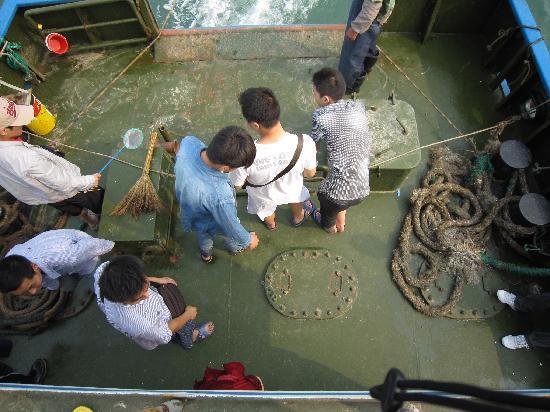 Rizhao Liujiawan Seahunting Spot: 等待鱼的到来