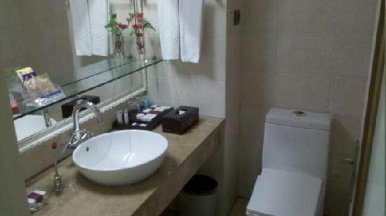Shunquan Hotel Jiefang Road: 卫生间
