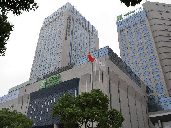 هوليداي إن شنغهاي سونغجيانج: 酒店外立面