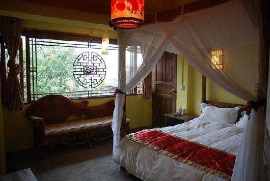 Zui Hua Tang Inn: 二楼度假大床房300元