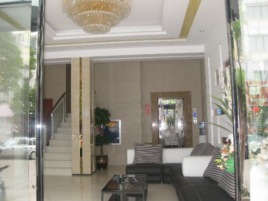 Baiyi Business Hotel: img_3883