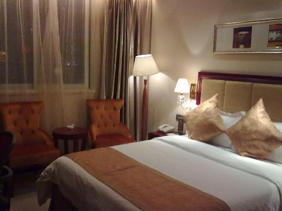 Zheshang International Holiday Inn: 床很舒服,被子也干净