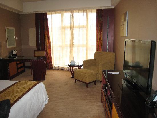 King World Hotel: 落地窗使房间很明亮