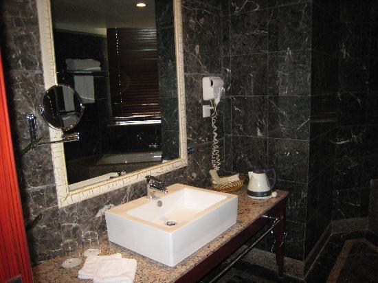 King World Hotel: 卫生间装修很好