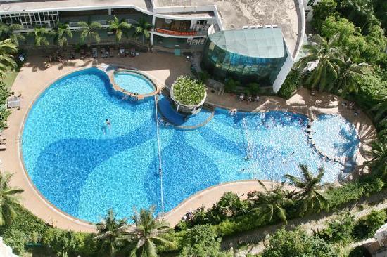 Sunshine Beach Hotel Sanya Jade Apartment: 泳池