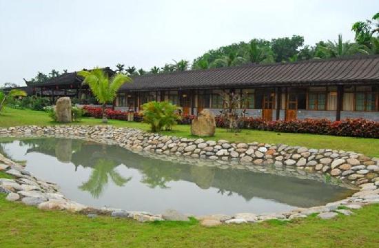 Bamushan Hotel: 池塘