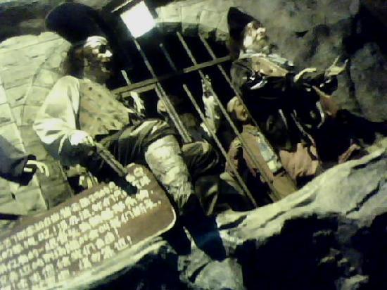 Hongya Cave: C:\fakepath\IMG0116A