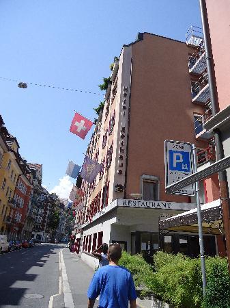 Hotel Rothaus: 酒店所在的街道