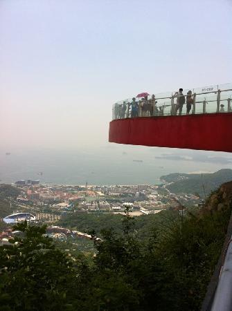 OCT East Shenzhen: 美国的大峡谷的U型回廊?