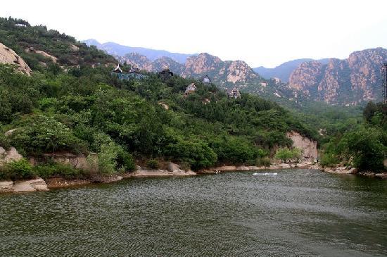 Beijing Houhuayuan Scenic Resort: 高山平湖