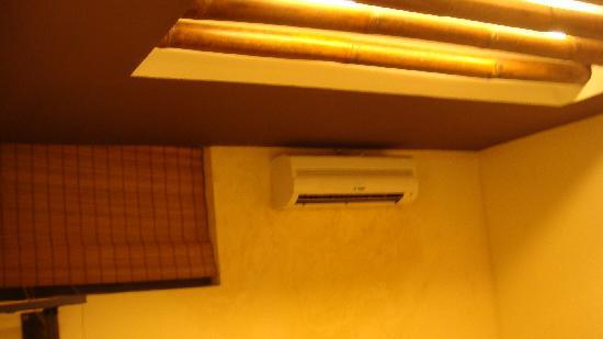 Asian Hotel: 空调