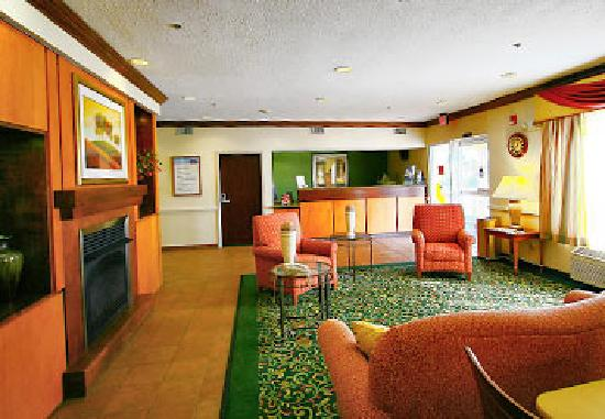 La Quinta Inn & Suites Manassas: 酒店大厅