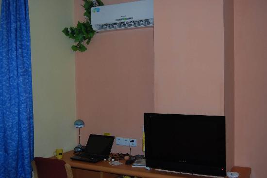 Home Inn (Xiamen Lianban Fushan Guomao): 给力的格力空调