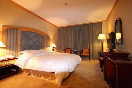 Baiyun Hotel: 卧室