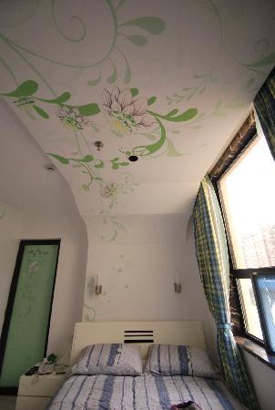 E Lang Zhijia Theme Hotel (Nanjing Jiangning Crystal): 特价大床房
