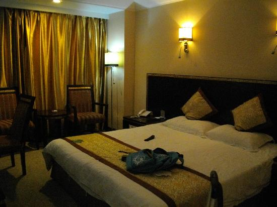 Parliament Grand Hotel: IMGP0004
