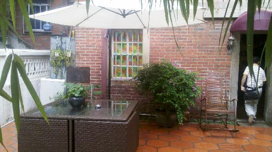 Puyiju Bailu No.10 Hostel : 2011-07-16_14-24-00_523