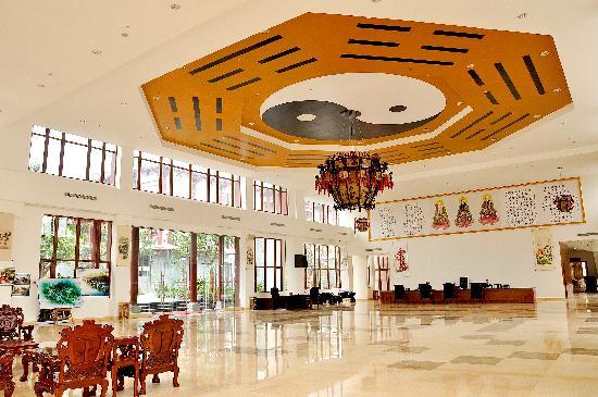Chengdu Tao Holycity Spa Hotel: 道教风格大厅
