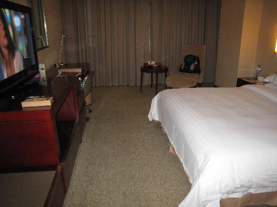 BEST WESTERN Fuzhou Fortune Hotel: 房间挺大的
