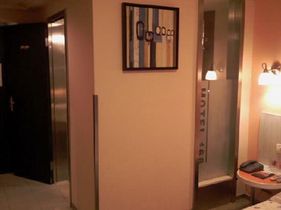 Motel 168 (Yichang Fazhan Avenue): 墙画