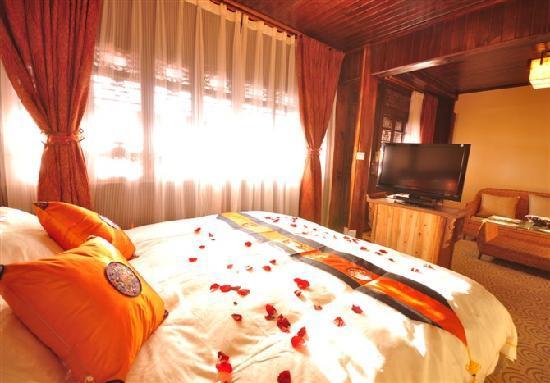 Ledao Hostel : 二楼豪华套房,极致浪漫,带电脑