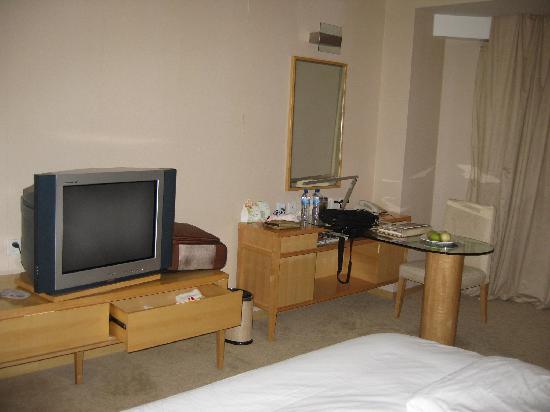 Haiyue Jianguo Hotel Weihai: 空间挺大的客房