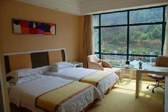 Tianmu Lake Lijing Hotel: 山景标间