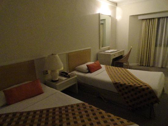 Lanna Palace 2004 Hotel: room