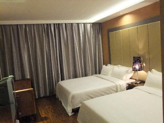 Enchant Inn: 豪华双床房