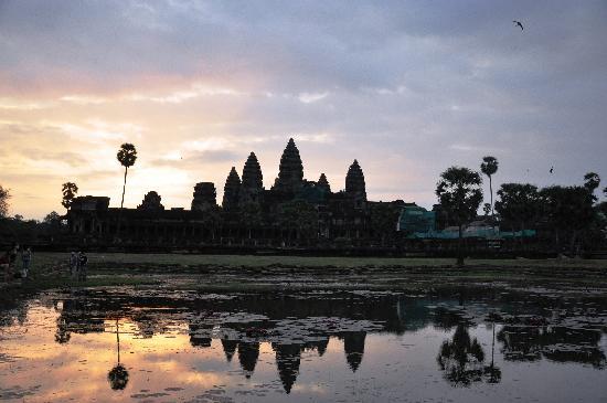 Angkor Wat: 小吴哥日出,遗憾的是阴天