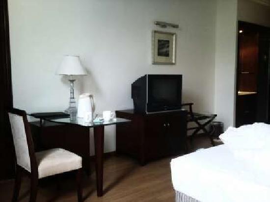 Chongwenju Senlin Hotel: 简陋的客房