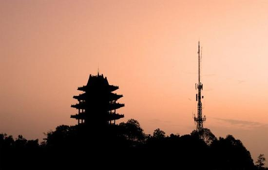 Zizhong County, China: 重龙阁