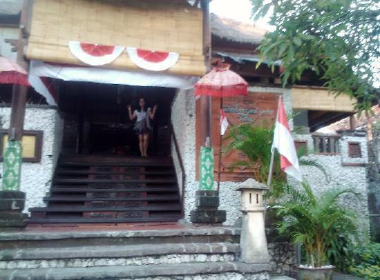 Balisani Padma: Hotel