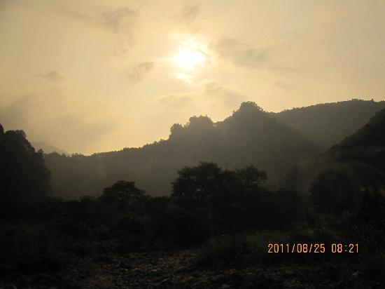 Zhangjiajie National Forest Park: 清晨的阳光