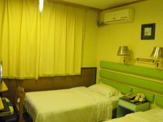 Xintianqiao Hotel: 我住的房间