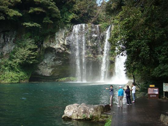 Cheonjeyeon Falls: DSC01031