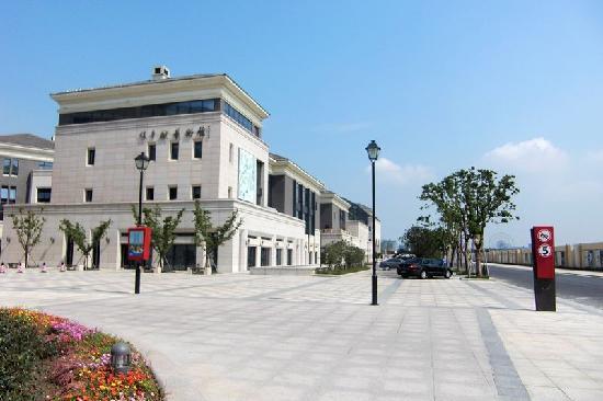 Ligong Dam: 商业街