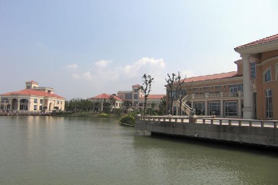 Ligong Dam: 湖水