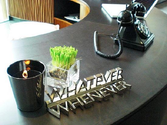 ดับเบิ้ลยู ฮ่องกง: W Hong Kong; Whatever - Whenever