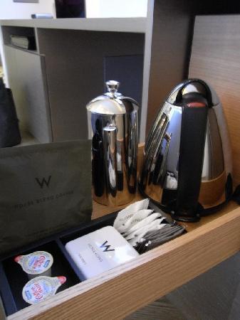 ดับเบิ้ลยู ฮ่องกง: coffee and tea items