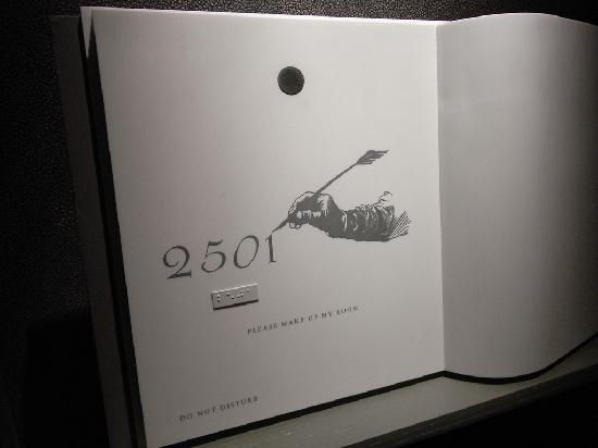ดับเบิ้ลยู ฮ่องกง: Fantastic Suite 2501