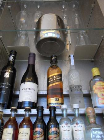 ดับเบิ้ลยู ฮ่องกง: private bar items