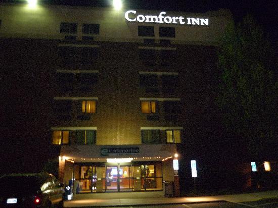 Comfort Inn University Center: 房间