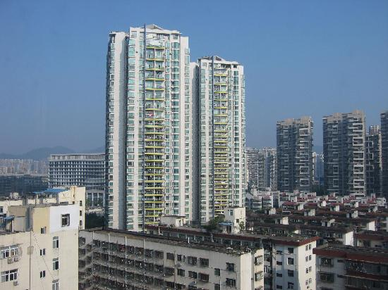 Shanshui Guest House: 窗外风光1