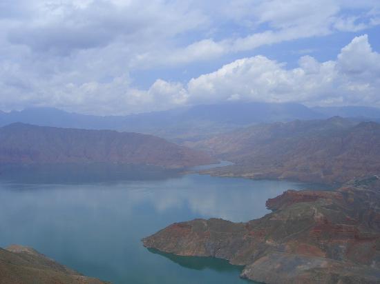 Qinghai Plateau: 蓝蓝的天、白白的云